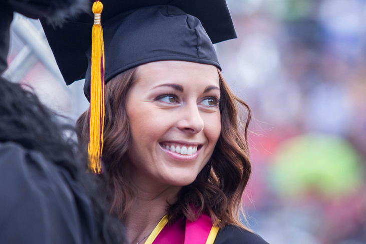photography sample - female graduate at commencement