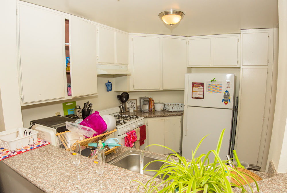 csudh-housing-apartment-kitchen-1