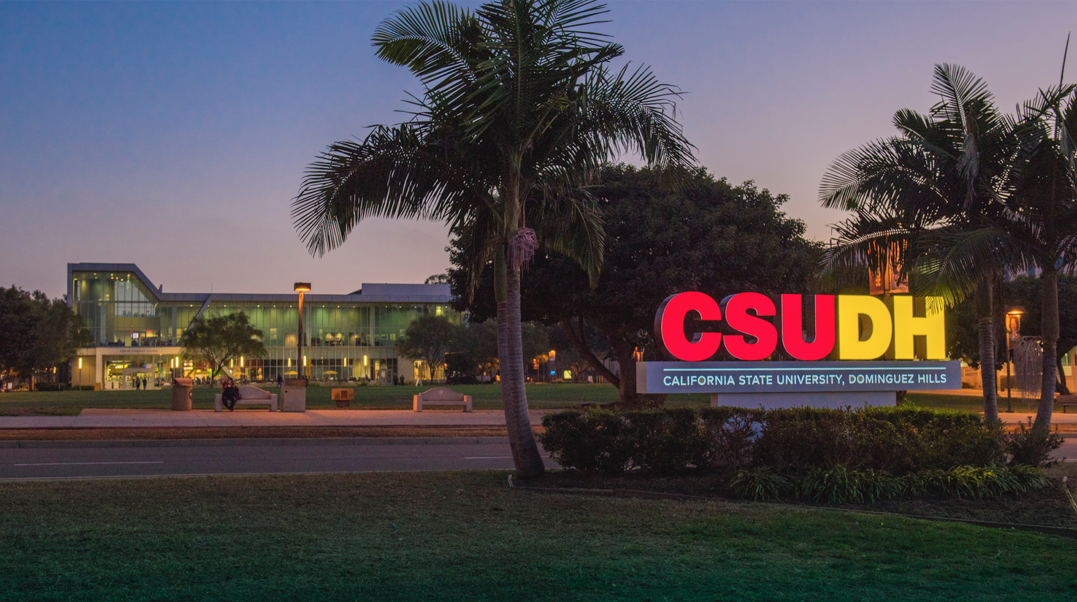 CSUDH Sign on Campus