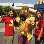 Students with Toro mascot